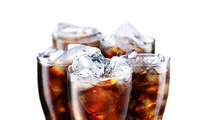 Δημιουργούν πρόβλημα τα αναψυκτικά και τα ροφήματα στην ορθοδοντική θεραπεία!