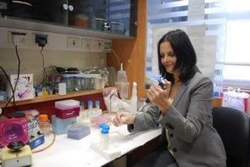Hadassah endocrinologist aims to improve life for type 1 diabetics