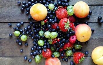 Ευεγερτικές ιδιότητες των καλοκαιρινών φρούτων.