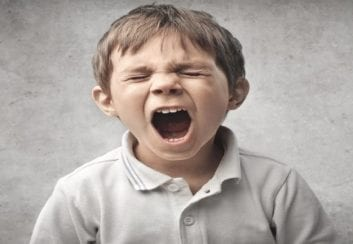 Το παιδί που θυμώνει. Πώς αντιμετωπίζουμε τις εκρήξεις οργής του;