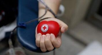 O Ε.Ε.Σ. γιόρτασε την Παγκόσμια Ημέρα Εθελοντή Αιμοδότη διοργανώνοντας μεγάλη αιμοδοσία στο κέντρο της Αθήνας